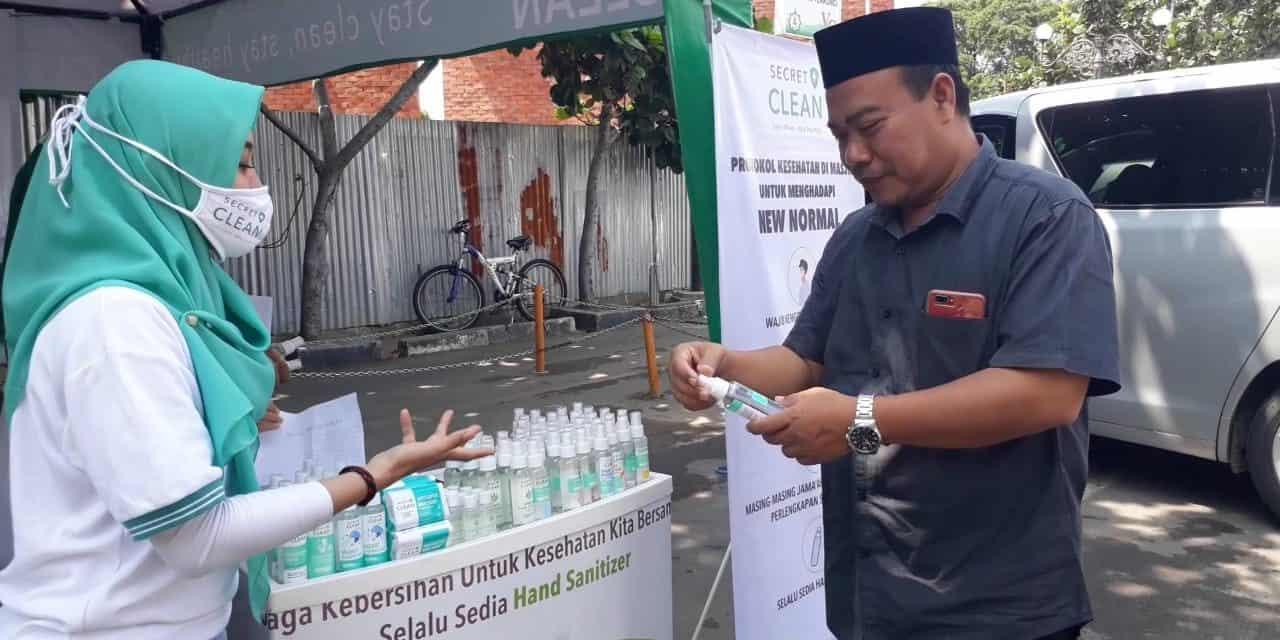 Dukung Cegah Covid 19 di At-taqwa, PT. Victoria Care Indonesia Berikan Bantuan APD