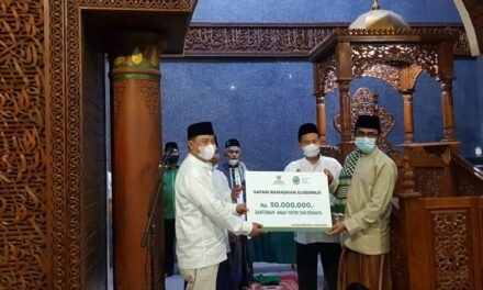 Masjid Raya At-Taqwa Diberi Kepercayaan Menyalurkan Bantuan Oleh Gubernur Ridwan Kamil