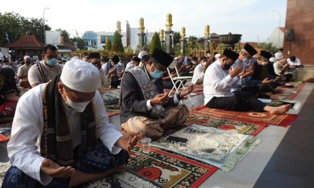Idul Fitri 1442 H di Masjid Raya At-Taqwa Kota Cirebon: Khidmat, Tertib & Berkah