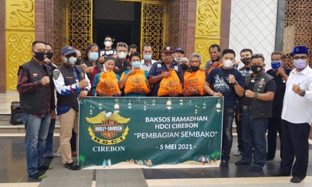 HARLEY DAVIDSON CLUB INDONESIA (HDCI) CIREBON MELAKUKAN BHAKTI SOSIAL DI MASJID RAYA AT-TAQWA DENGAN MEMBERIKAN SEMBAKO KEPADA ORGANDA, SUPIR ANGKOT & MARBOT MASJID