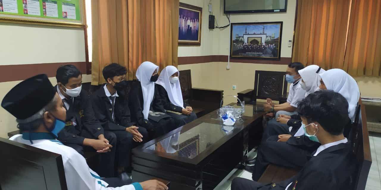 Pelayanan Edukatif At-Taqwa Centre Kota Cirebon Dengan Membuka Kesempatan PKL Pada Siswa-Siswi Jurusan TKJ SMK Wahidin